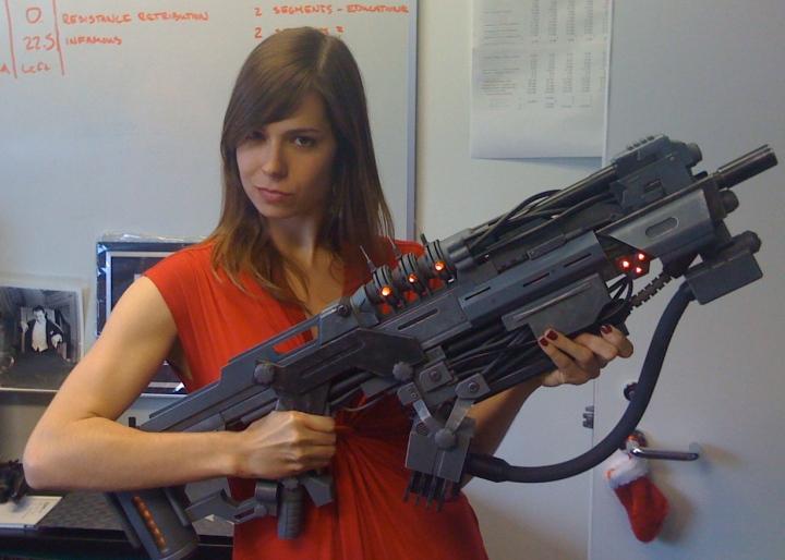 guns_futuristic_veronica_belmont_